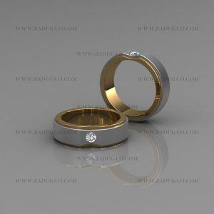 02015 Кольца обручальные парные из желтого и белого золота с камнем